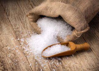 Simpatias com sal grosso para separar casal